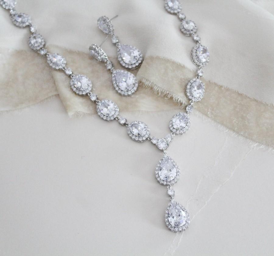 Wedding - Bridal necklace and earring set, Wedding necklace set, Bridal jewelry set Teardrop necklace and earrings, CZ necklace, Silver necklace