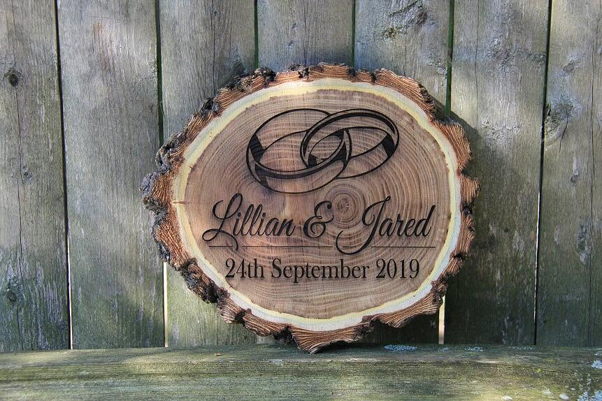 Hochzeit - Personalized Engraved Rustic Log Plaque, Custom Wood Wedding Sign, Customized Wedding Gift for Couples