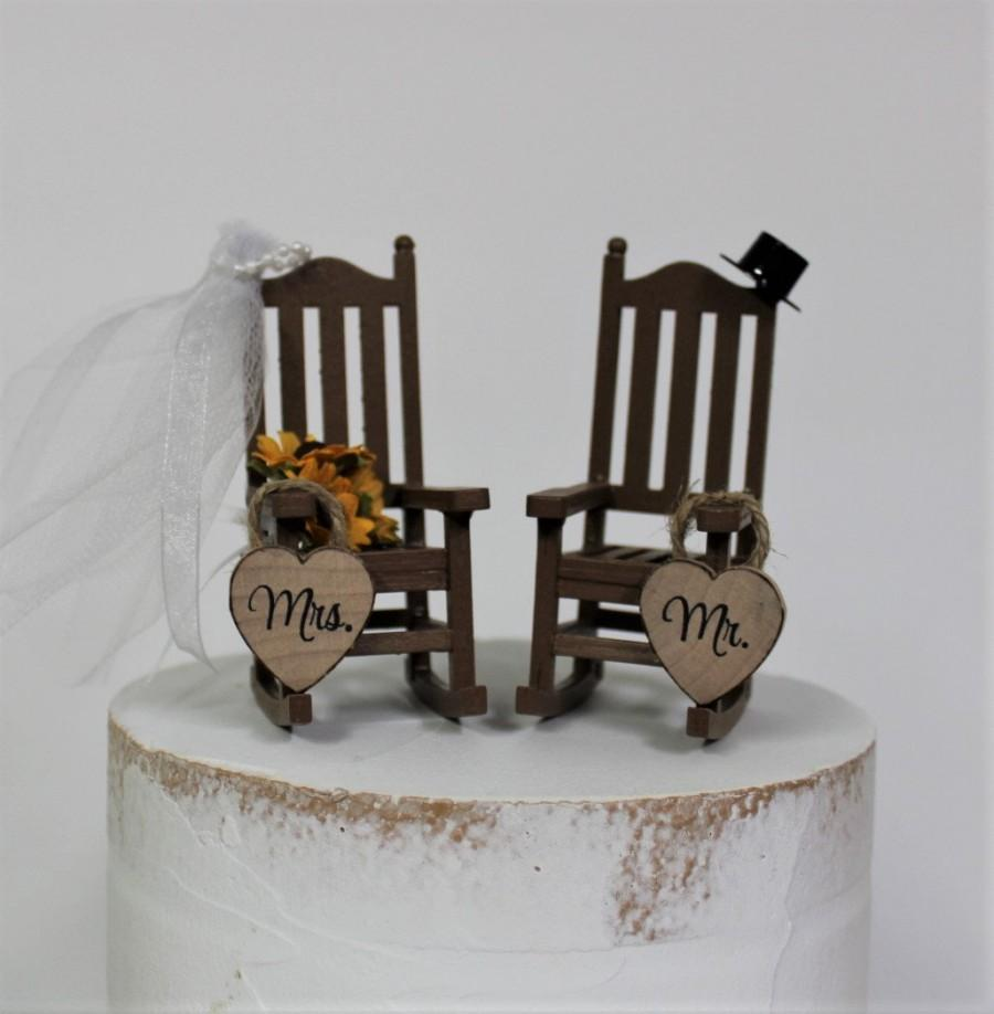 Свадьба - Wedding Cake Topper, Bride, Groom, Rocking Chairs, Sunflowers, Country, Rustic, Wooden, Mr, Mrs