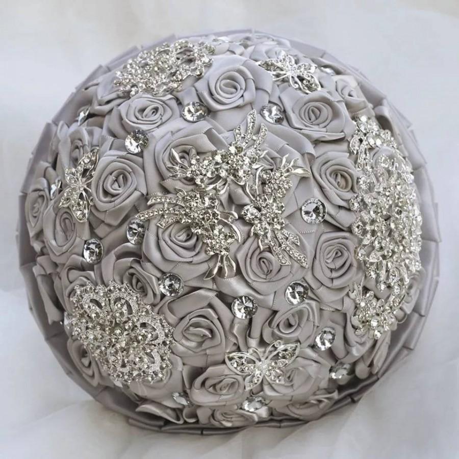 Свадьба - Crystal Wedding Silk Bouquet-Bridal Bouquet-Silk Bridal Flowers-Crystal Brooch Bouquet-Bridesmaid Bouquet- Silk Wedding Flowers in 6 Colours
