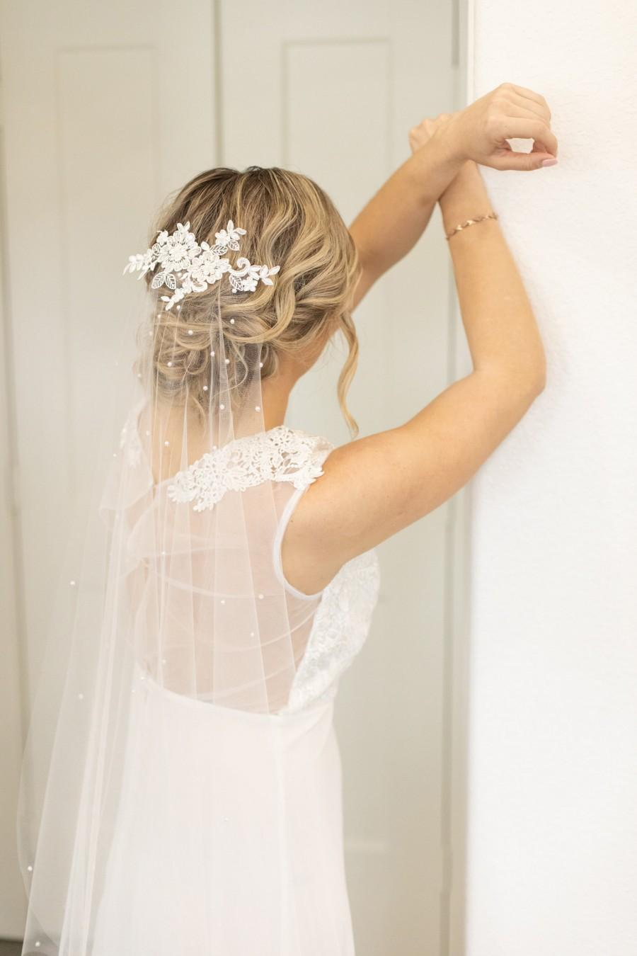Hochzeit - Lace Appliqué Veil with Pearls