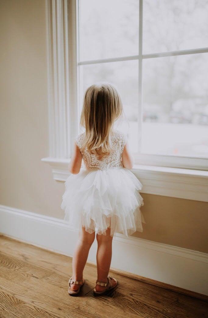 Hochzeit - White Lace Infant Flower Girl Dress, Romantic Tulle Wedding Gown, Boho Chic Dress