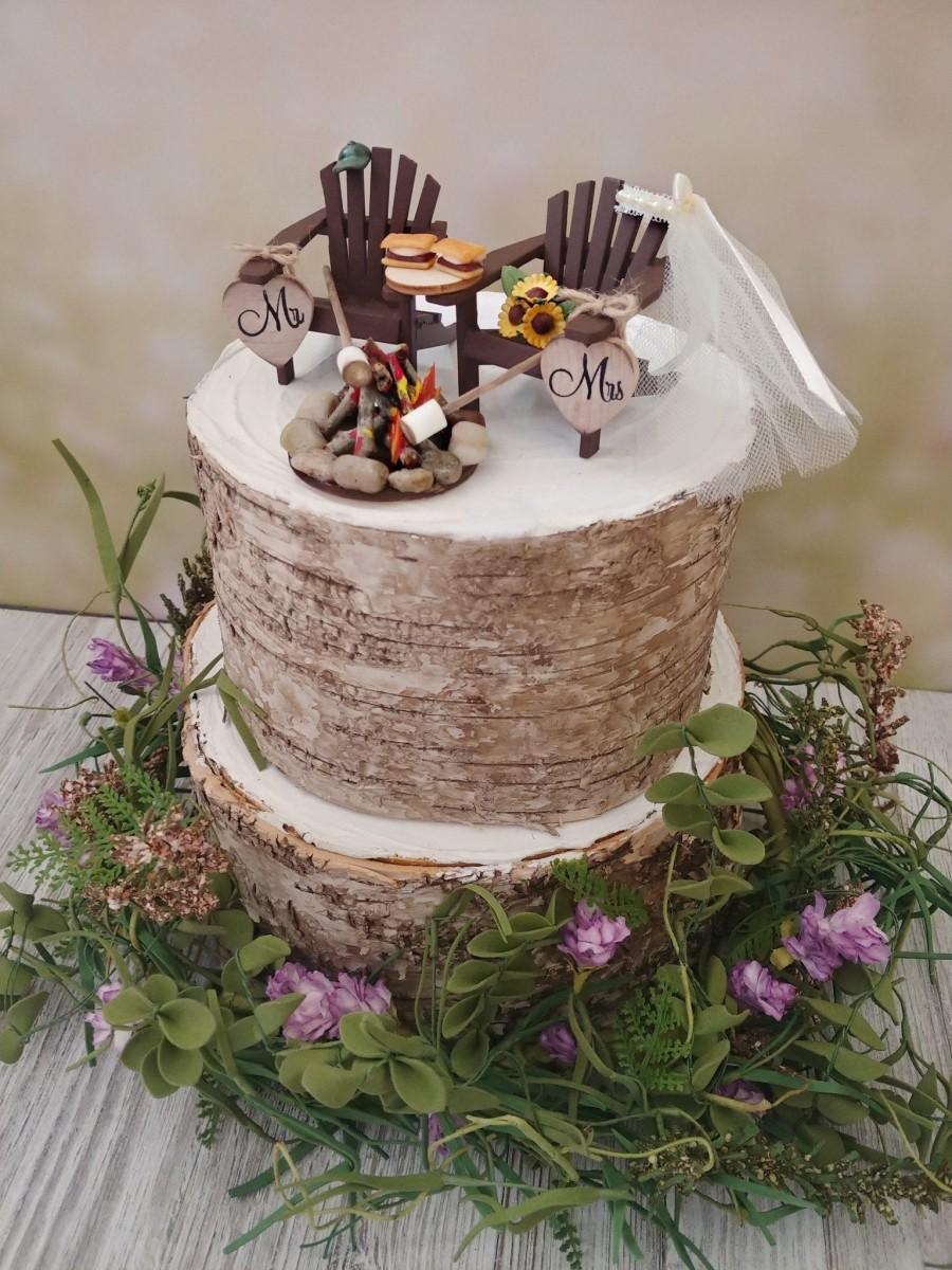 Свадьба - Roasting marshmallows small wedding cake topper s'mores camping campfire Adirondack chairs 6 inch cake bride and groom country barn wedding