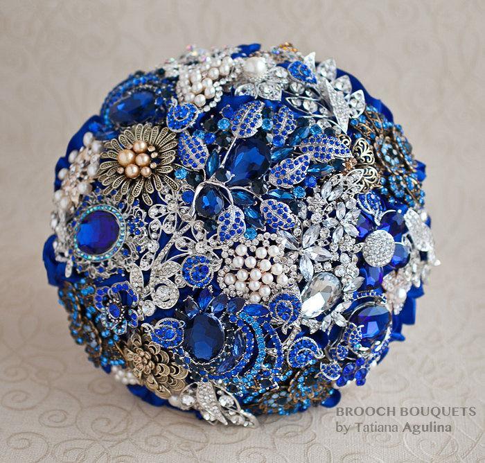 Wedding - BROOCH BOUQUET. Royal Blue bouquet, blue wedding bouquet, crystal brooch bouquet, bridal bouquet. Quinceanera keepsake bouquet.