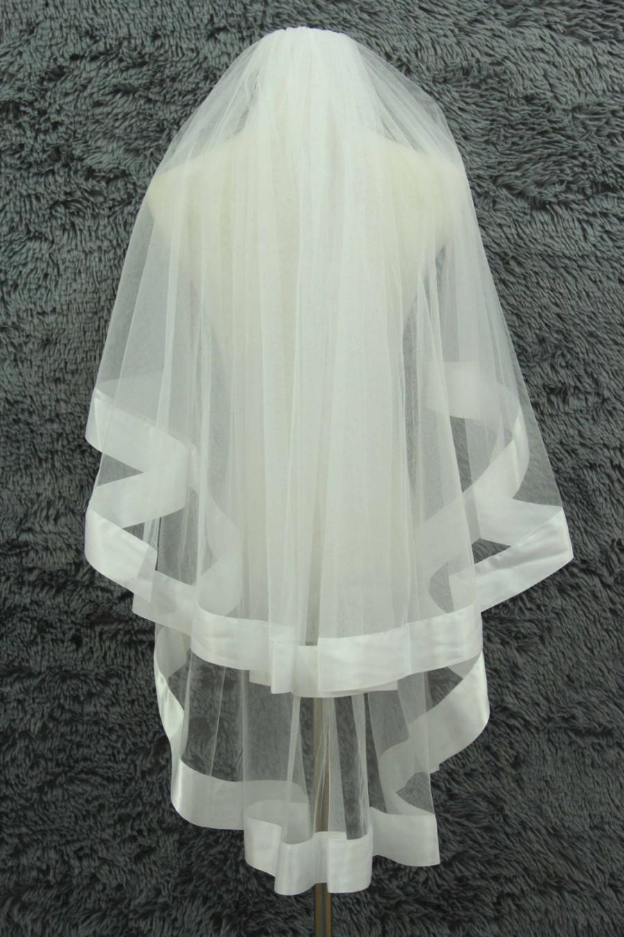 Mariage - Blush veil,Satin edge Veil,Bridal veil,2 Tier veil,wedding dress veil,white Ivory,Fingertip length veil,With comb