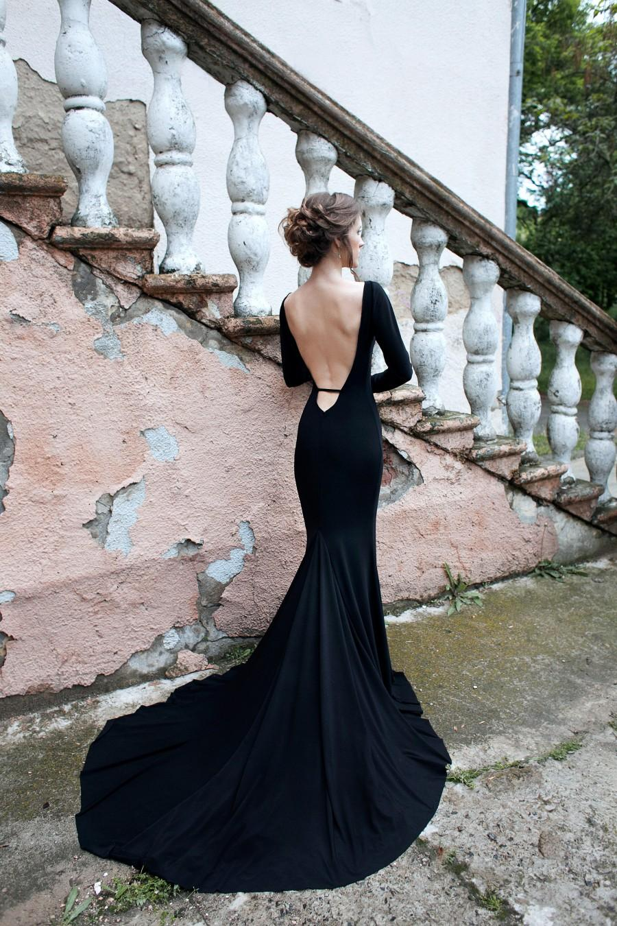 Mariage - Evening and wedding mimimalist simple dress, Bridesmaid dress with sleeve, long train