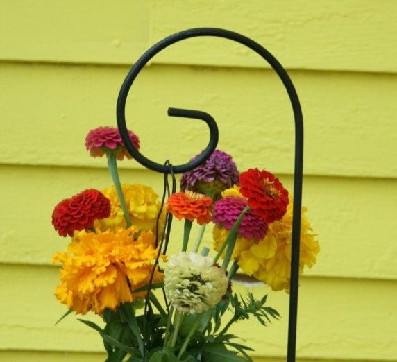 "Свадьба - Set of 6 - 36"" Medium Scroll Hoop Shepherd Hook Small Garden Hanger Wedding Supplies USA MADE to ORDER"