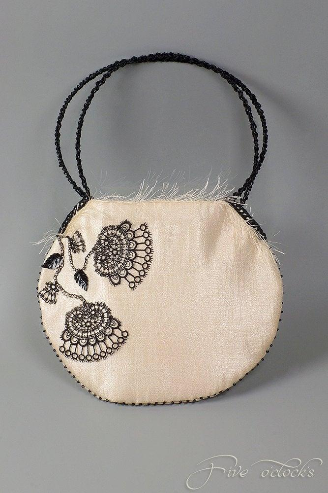 Mariage - Embroidered wedding clutch with black lace flowers. Embellished  handbag with black aplique. Embroidered bridal purse. Unique eavning bag.