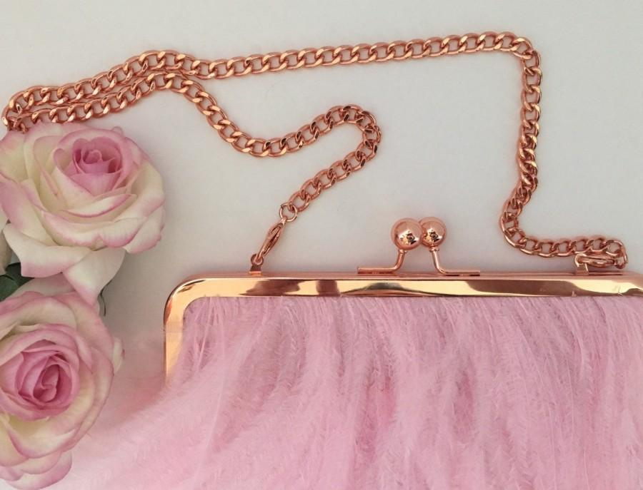 Свадьба - Pretty in Pink Ostritch Feather Bag / Bridal Clutch Bag / Rose Gold and Pink Purse / Prom Bag Kisslock Frame / Pink Wedding Theme