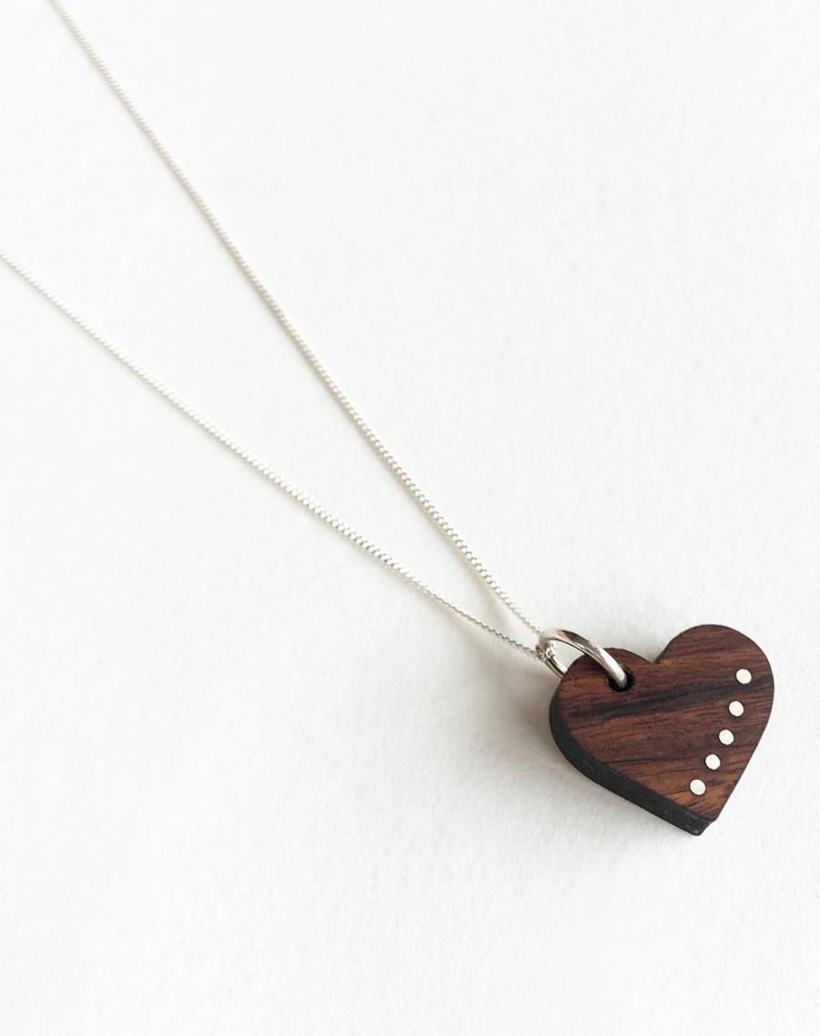 Hochzeit - Wood Anniversary Gift - 5 Year Anniversary for Her - Delicate Wood Jewelry - Wood Necklace - 5th Anniversary Wood Gift - Heart necklace