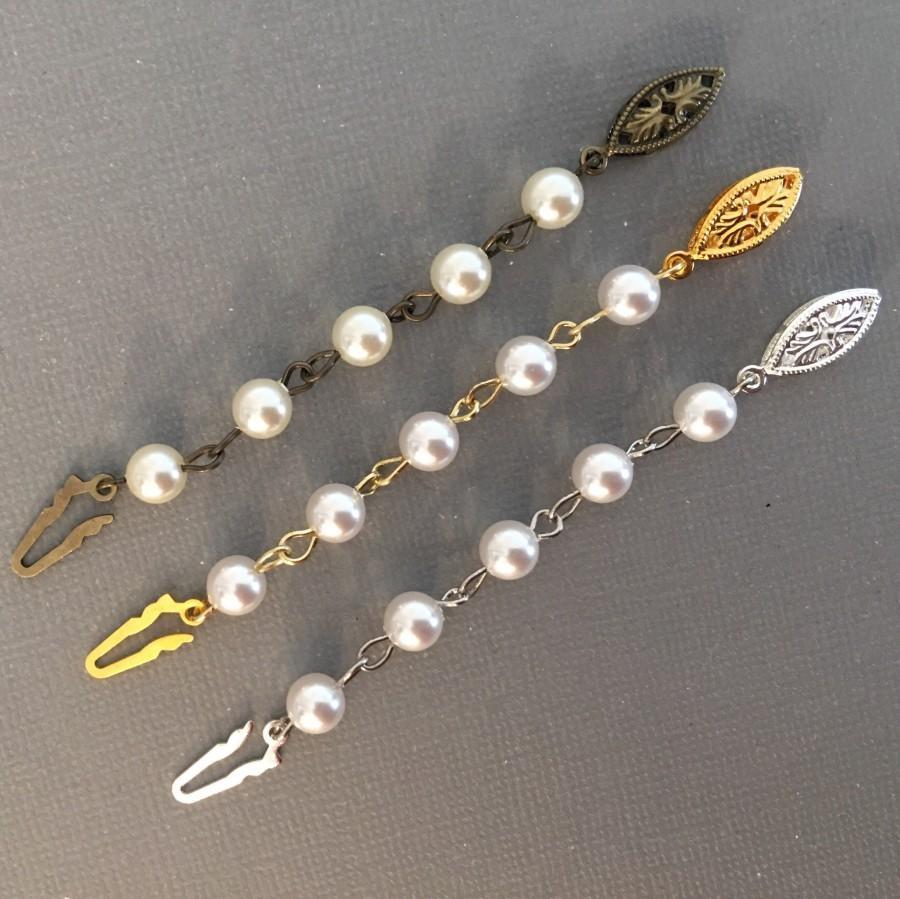 زفاف - Pearl Necklace Extender in Gold Silver or Bronze and Cream Ivory or White Swarovski pearls to lengthen vintage necklaces fish hook clasp