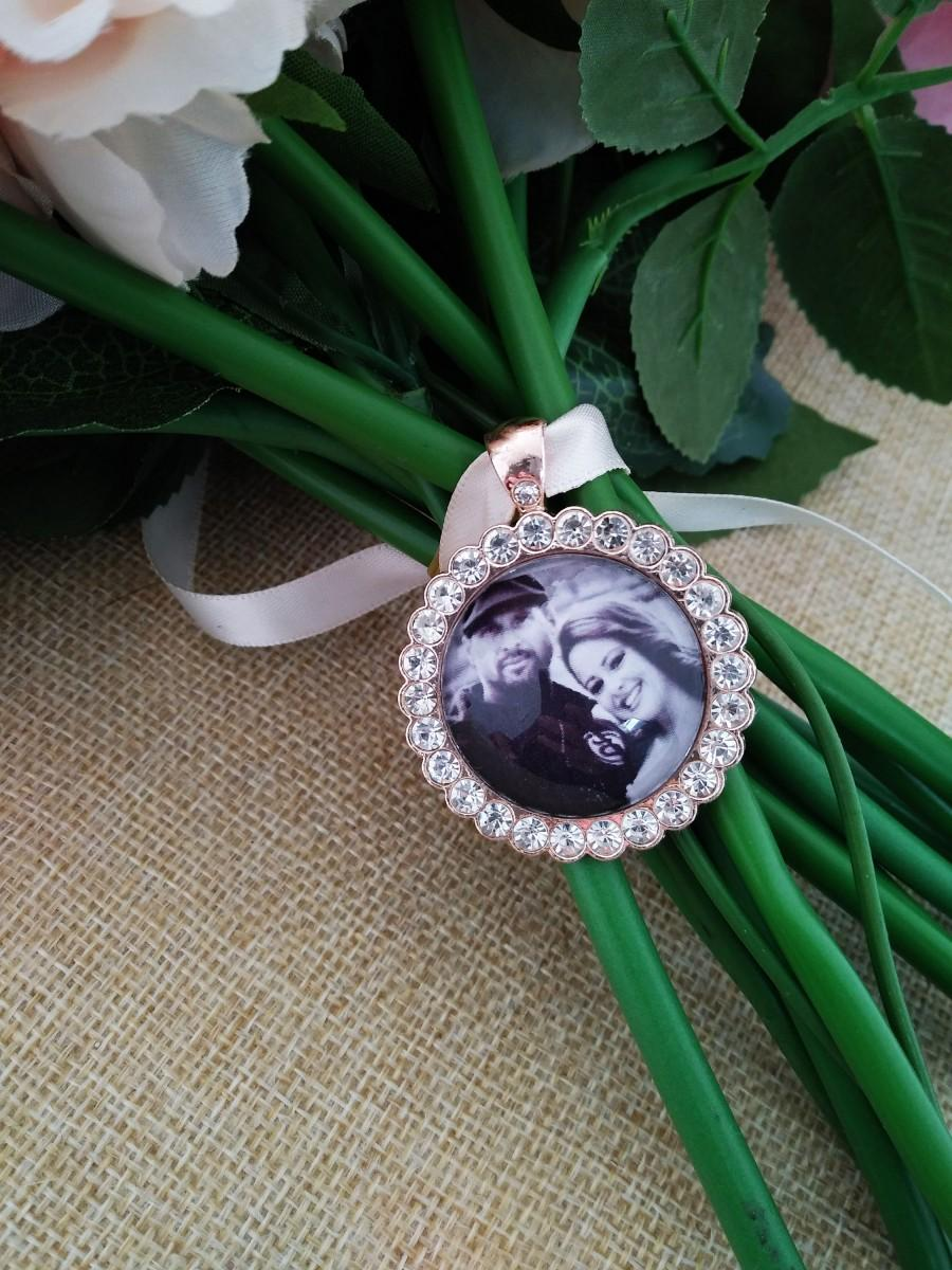 Свадьба - Rose gold Wedding Bouquet Photo Memory Round Rhinestones Charm -Bridal Party Gift Keepsake Momento with rhinestones, bridal charm, memorial