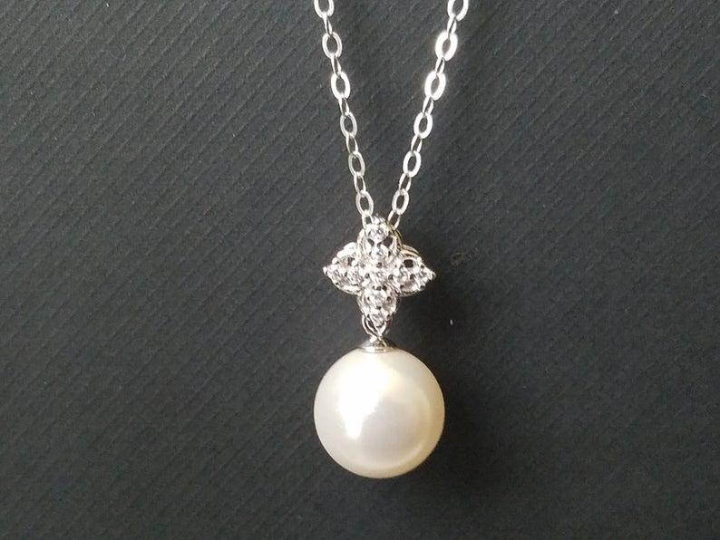 Mariage - White Pearl 925 Sterling Silver Bridal Necklace, Single Pearl Wedding Necklace, Swarovski 10mm Pearl Drop Pendant, Bridal Bridesmaid Jewelry