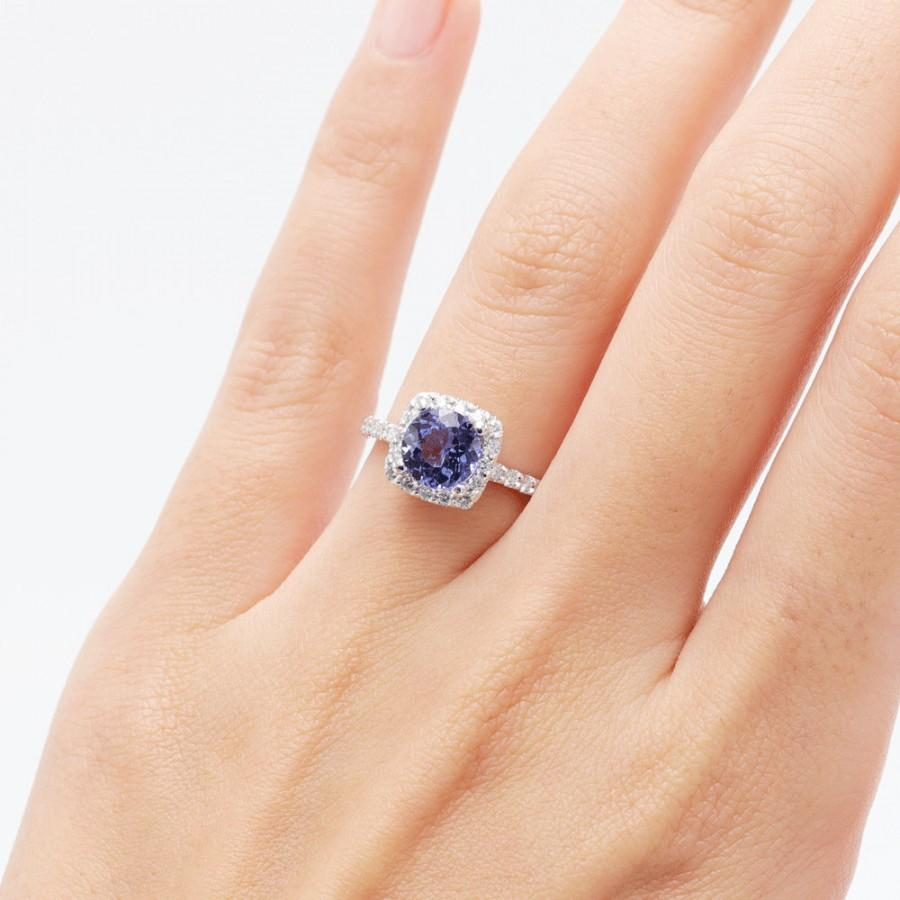 Mariage - 14K White Gold 6.5 MM Tanzanite  & Diamond Engagement Ring/Halo Engagement Ring/Tanzanite Diamond Ring/Engagement Ring with Diamond/Gift