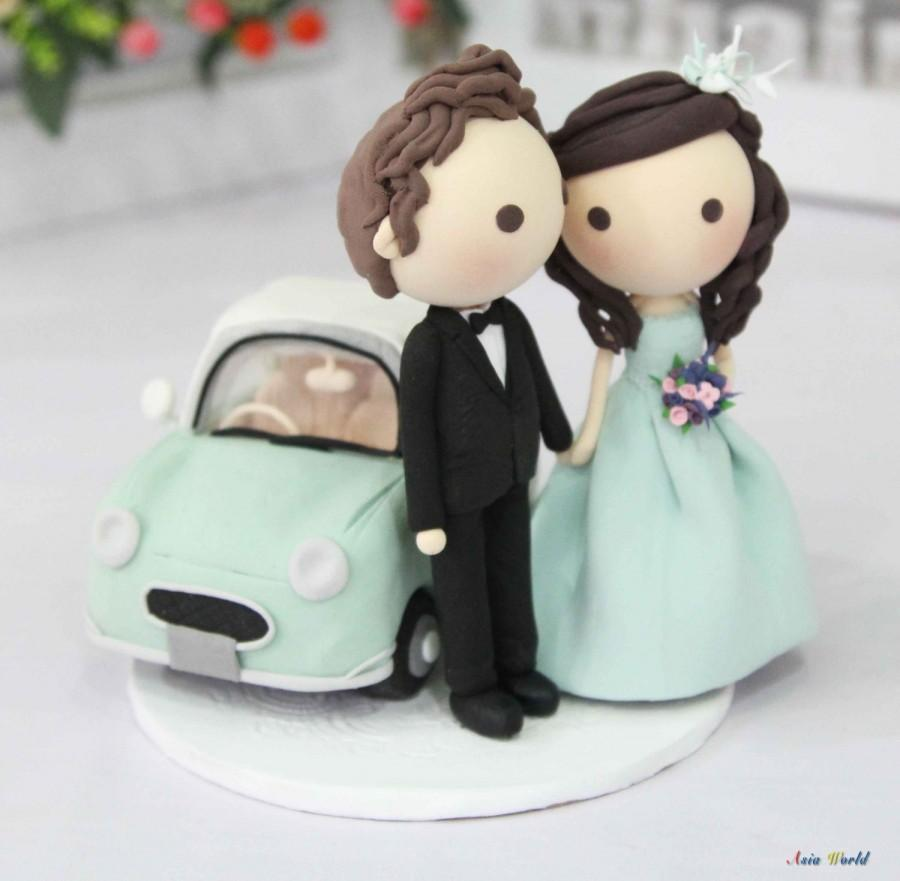 Свадьба - Wedding couple with car wedding cake topper clay doll, Mint green wedding and Nissan Figaro clay miniature, engagement decoration