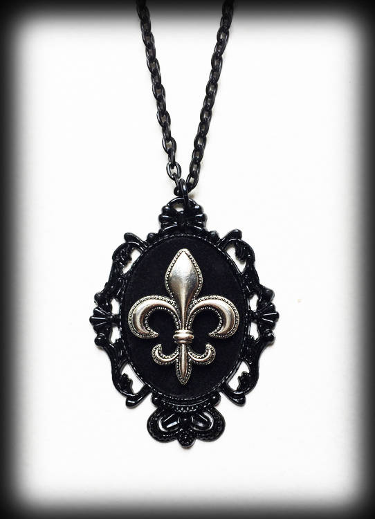 Свадьба - Fleur de Lis Necklace, Gothic Victorian Velvet Cameo Pendant, Black Baroque Frame, Gothic Jewelry, Gift For Her, Alternative Jewelry