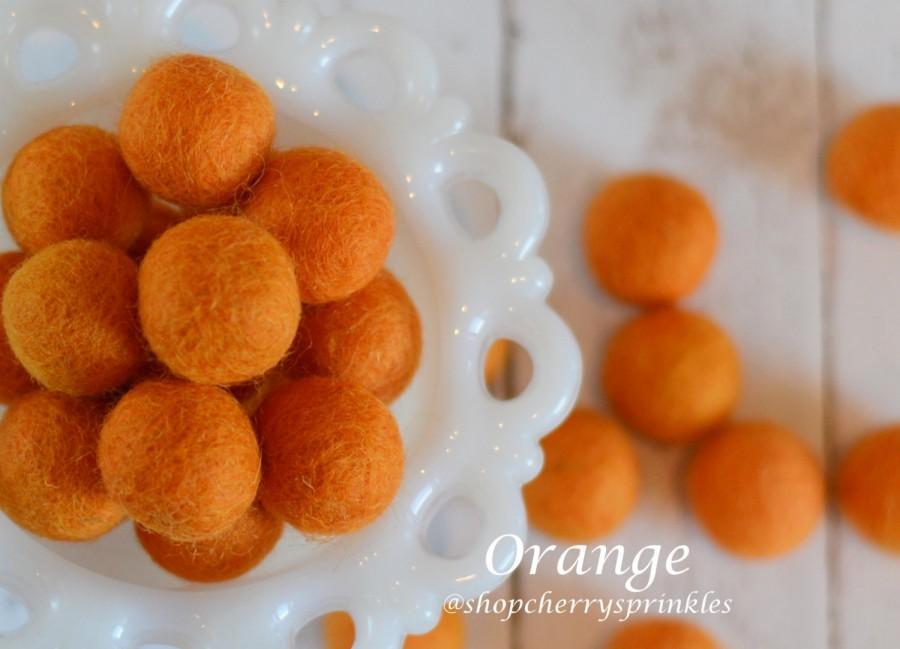 زفاف - ORANGE 1cm-2cm 100% Wool Felt Balls -Felt Pom Pom *Orange wool balls, DIY Pom Pom Garland - DIY Felt Ball Garland * Wool Balls *Mantel Decor