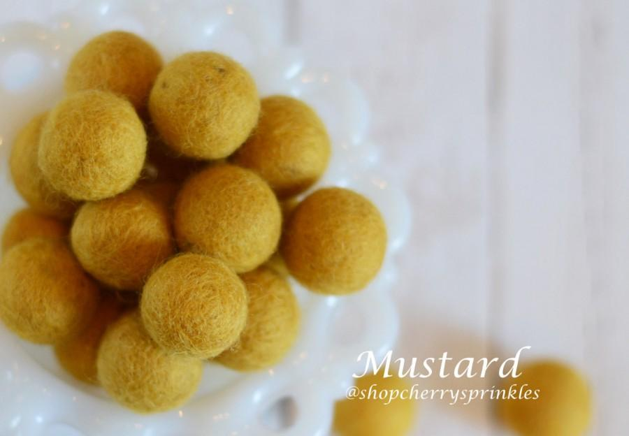 زفاف - MUSTARD 1cm - 2cm Wool Felt Balls -Felt Pom Pom *Dark Yellow wool balls, Diy Pom Garland - Diy Felt Ball Garland * Wool Balls *Felt Beads