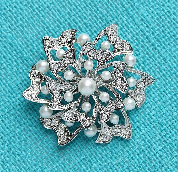 Mariage - Rhinestone Pearl Brooch, Vintage Wedding Bridal Brooch, Silver Bride Bouquet Broaches Pins, Dress Sash Pin, Bling Cake Rhinestone Brooch