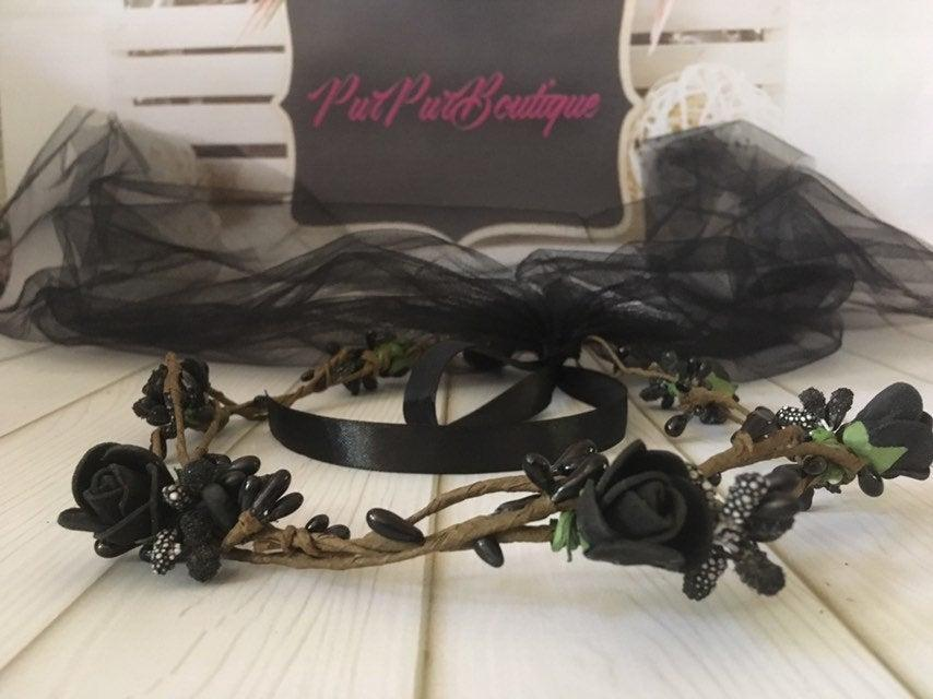 Wedding - Gothic bridal hair wreath Black rose crown Black wedding veil gothic wedding headpiece black party black roses wreath black flower wreath