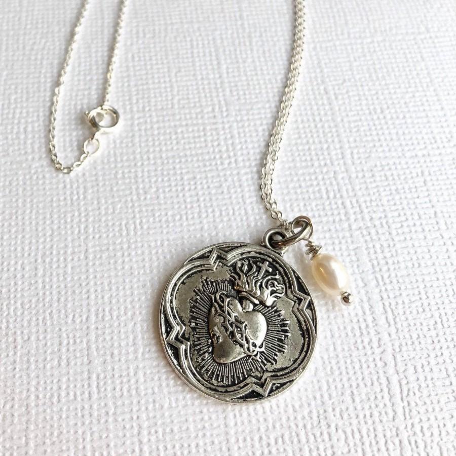 Hochzeit - Sacred Heart Necklace