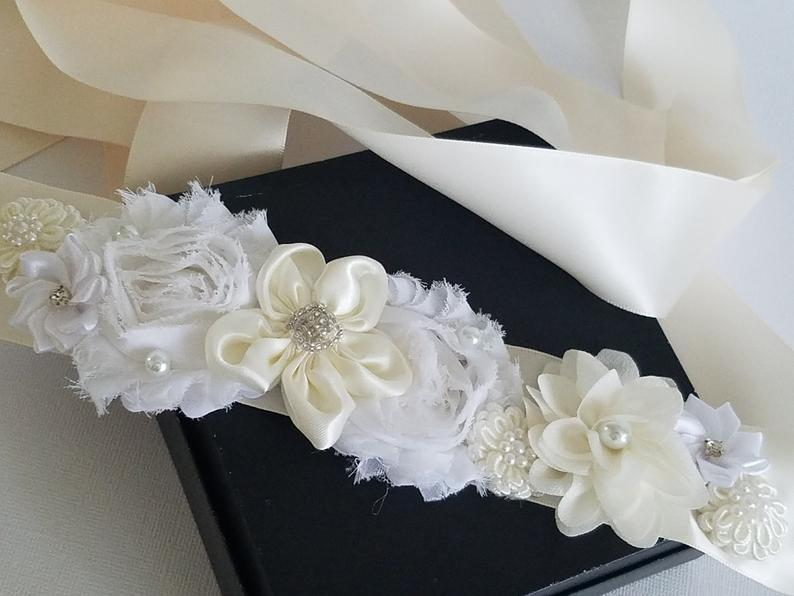 Mariage - Ivory White Bridal Sash, Floral Girl Dress Belt, Wedding White Ivory Sash, Bridal Floral Belt, Bridal Flower Ribbon Sash, Bridal Dress Belt