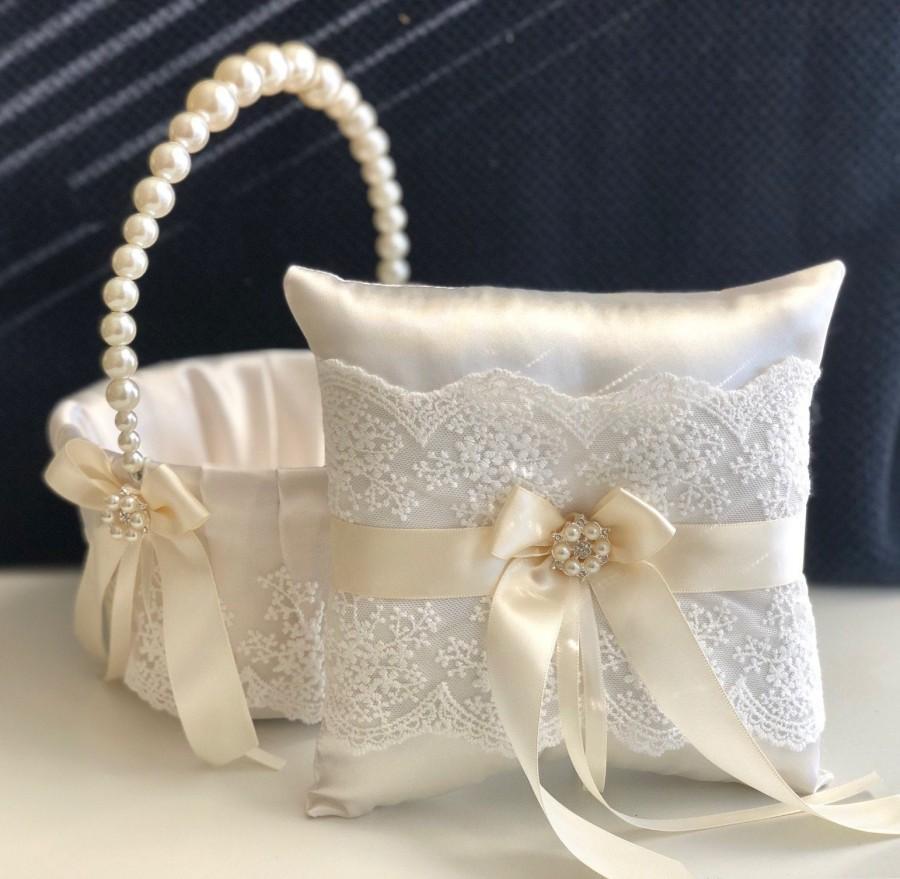Hochzeit - Flower Girl Basket Ivory Ring Bearer Pillow, Flower Girl Gift, Wedding Ring Pillow Ivory Wedding Pillow, Flower Girl Set, Flower Basket