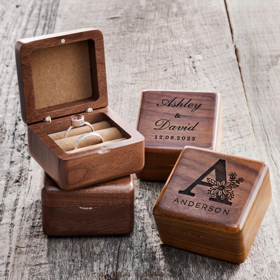 Hochzeit - Custom Wedding Ring Box, Wood Ring Box, Engagement Ring Box, Ring Bearer Ring Box, Ring Box Holder, Proposal Ring Box, Wedding Ring Box