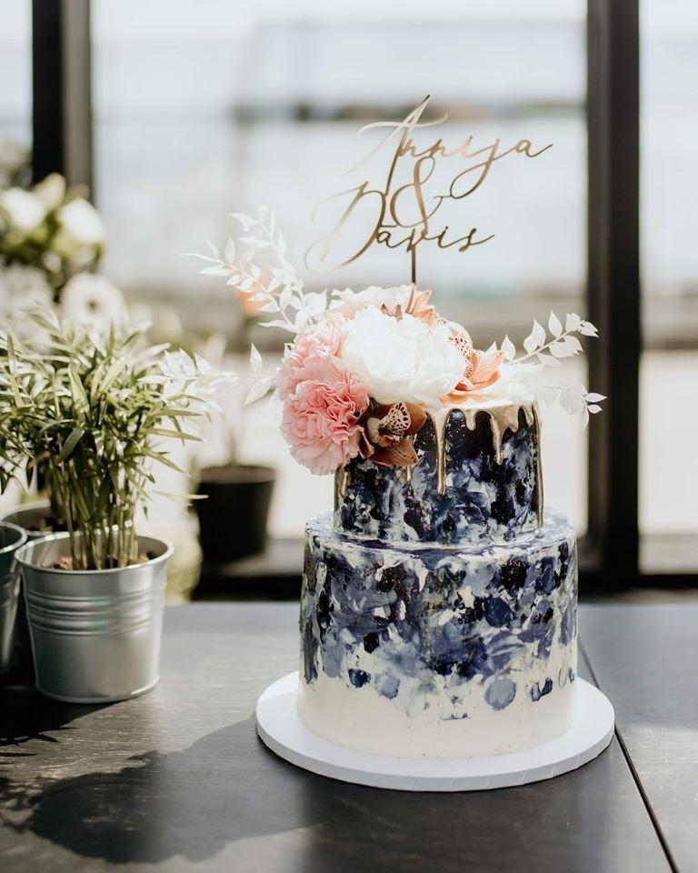 Hochzeit - Laser cut gold wedding cake topper/Custom wedding cake topper/Couple wedding cake topper/Custom cake topper/Custom names topper/couple