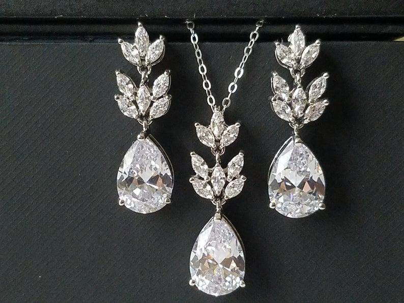 زفاف - Crystal Bridal Jewelry Set, Wedding Cubic Zirconia Silver Set, Teardrop Crystal Jewelry Set, Bridal Crystal Earrings Bridal Zirconia Pendant