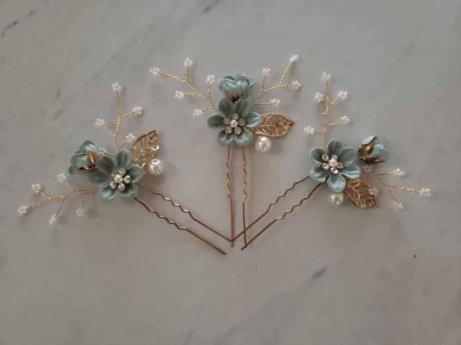 Hochzeit - Bridal Hair Pins, Pearl Crystal Flower Wedding Hair Pins, Hair Jewelry Hair Vine Wedding Hair Accessory, Sea Foam Green and Gold Hair Pieces