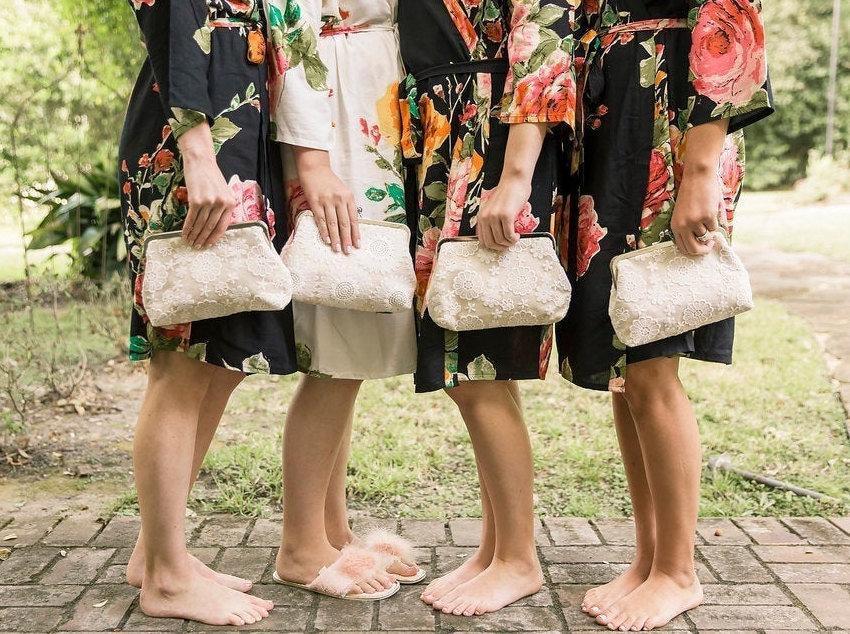 زفاف - Vintage-Style Floral Clutch Set of 4, Bridesmaid Lace Clutch Gift Set, Personalized Lace Clutch, Wedding Clutch Lace, 8 inch Clasp