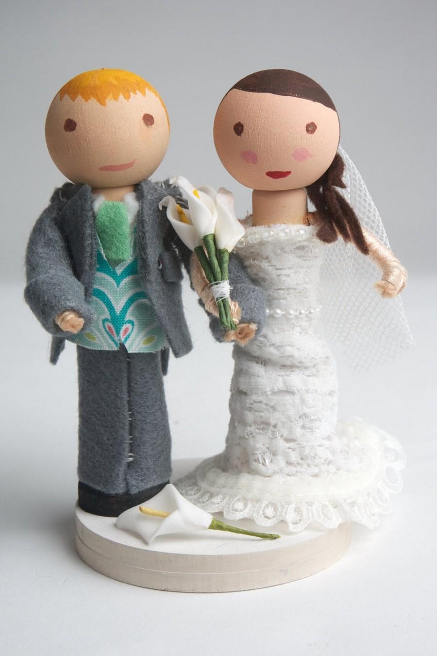 Свадьба - Customized, Handmade, Bride & Groom, Wooden Peg Doll, Wedding Cake Topper