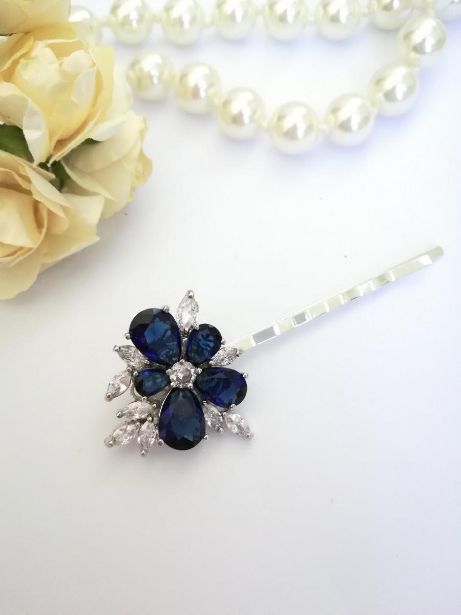 Свадьба - Sapphire blue Swarovski hair pin Blue floral hair clip Dark blue flower pin Present for bride Navy hair slide Something blue for bride