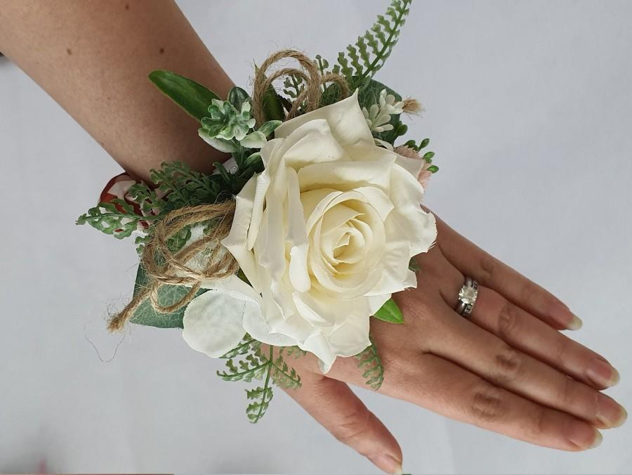Hochzeit - White Flowers Corsage and Boutonniere / Wrist Floral Corsage / Bridesmaid Corsage / Prom Corsage and boutonniere / Wedding Corsage