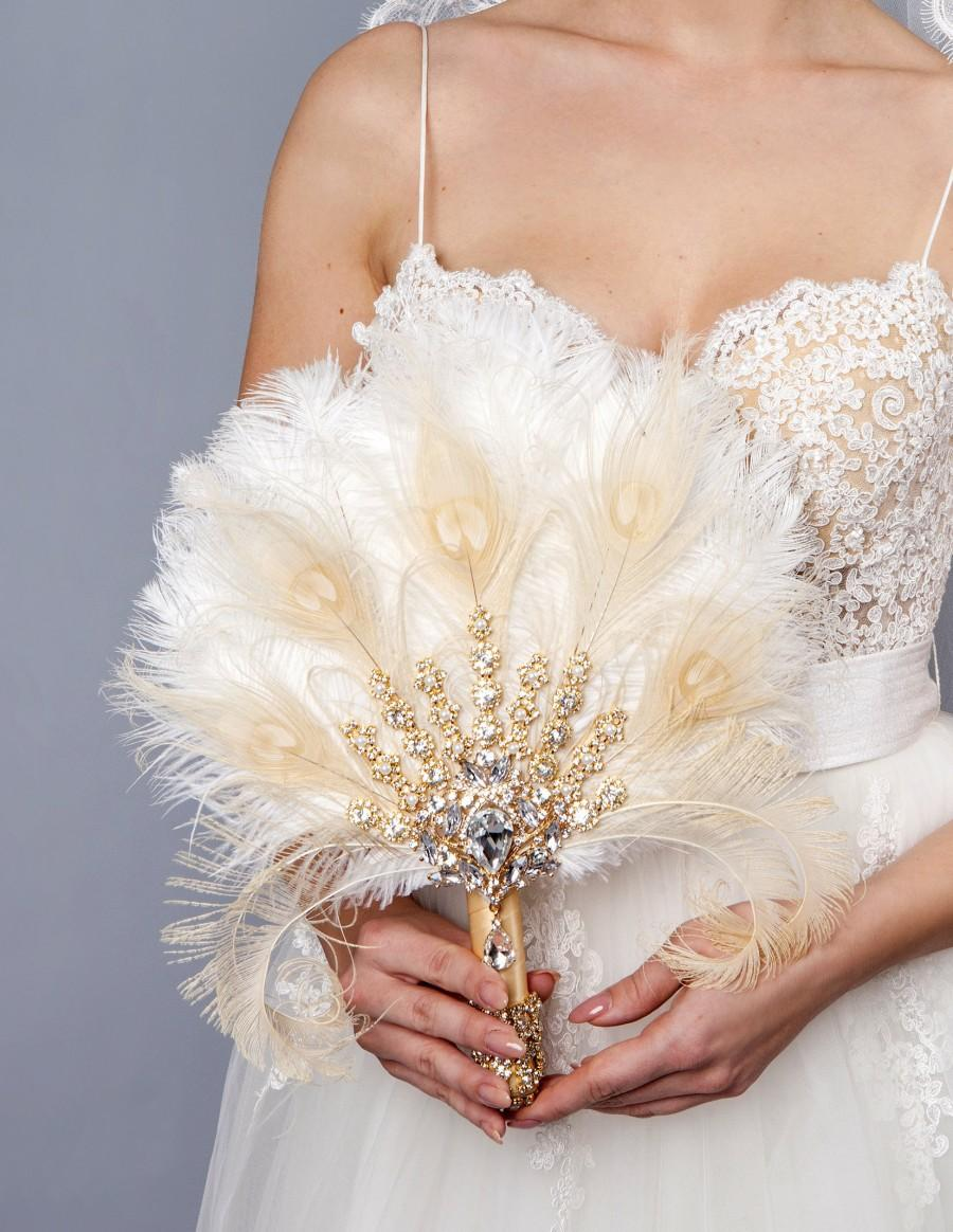 Свадьба - Gold Bridal brooch Bouquet Ostrich Big alternative Feather Fan Bridal Bouquet Ivory Great Gatsby 1902s art deco wedding Roaring 20's bouquet