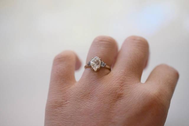 Свадьба - Size 7 14k Gold Diamond Ring, Raw Diamond Engagement Ring, Solid Gold Engagement Ring, Rough Diamond Ring, Raw Diamond Ring, Avello