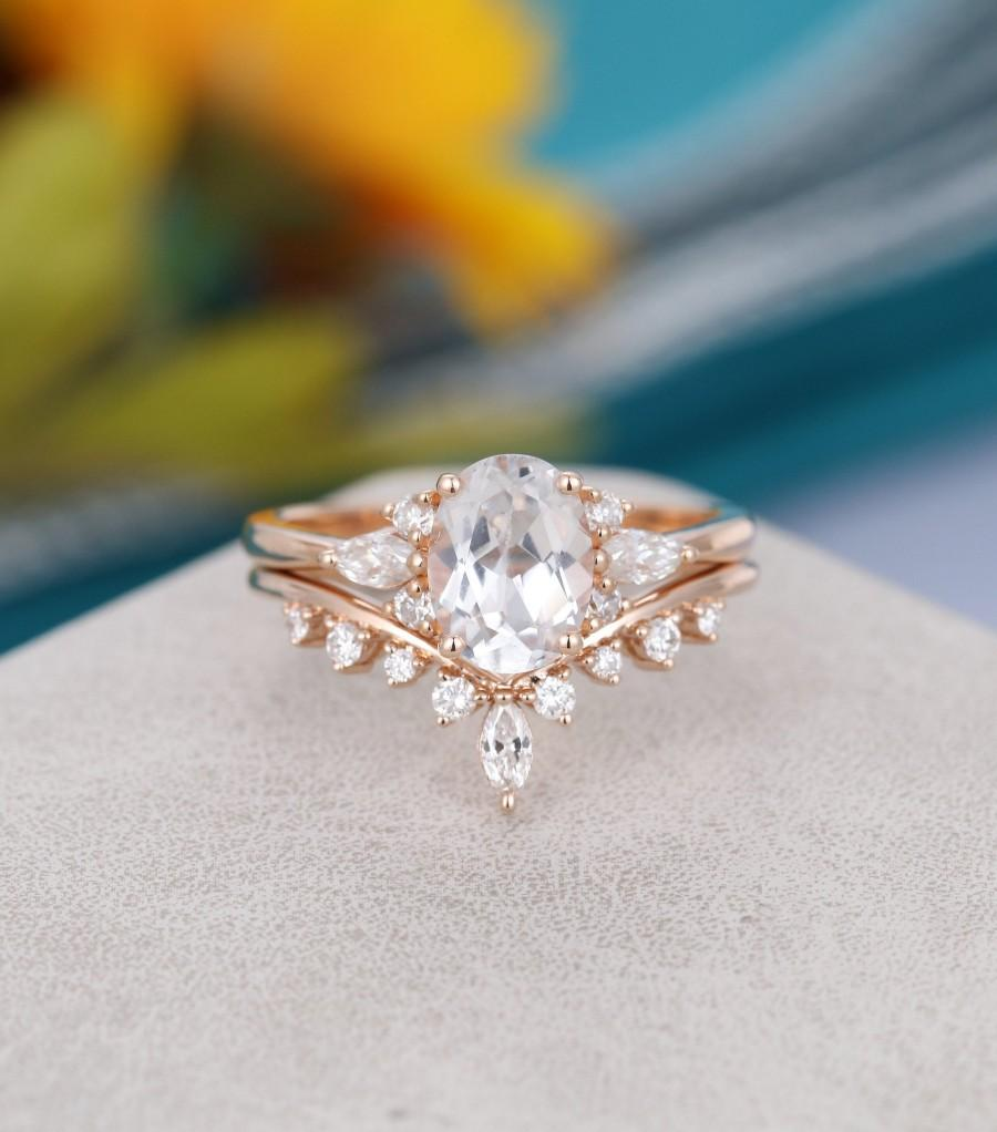 Mariage - Oval white sapphire engagement ring set Unique Cluster Rose gold engagement ring Curved diamond Bridal promise Anniversary gift for her
