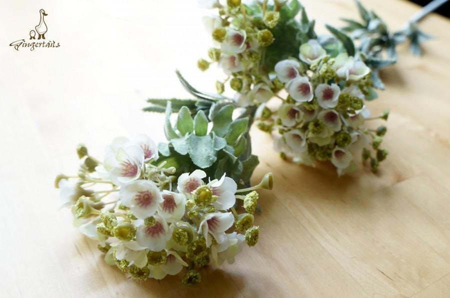 Свадьба - PRE-ORDER - White and Green Wax Flower (FB0079-02)