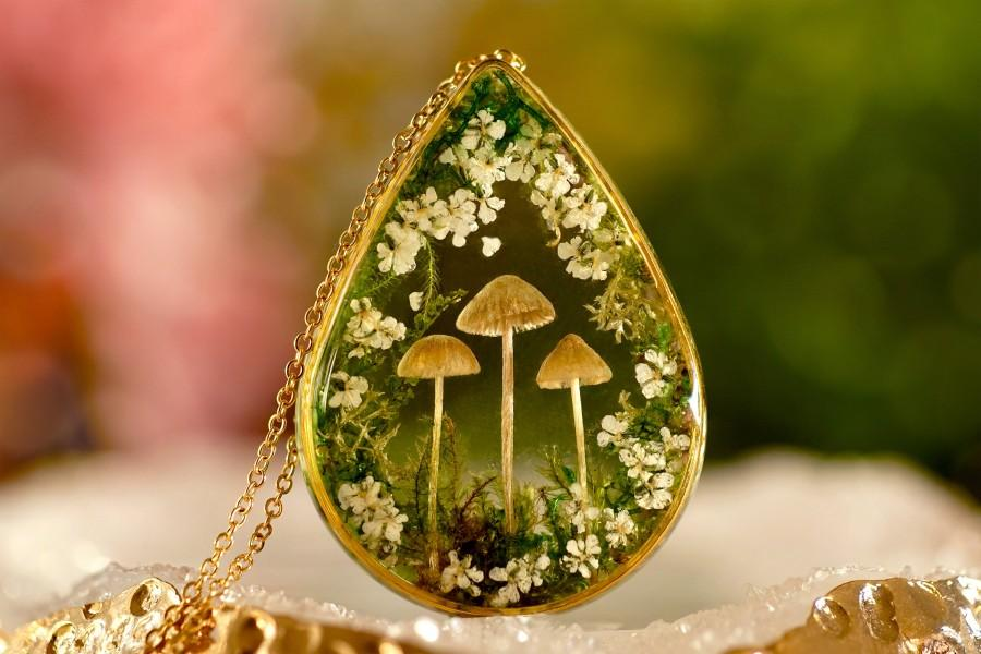 Wedding - Real Mushroom necklace / Terrarium necklace / Resin necklace / Resin jewelry / Anniversary gift / Bridal jewelry / Christmas Gift