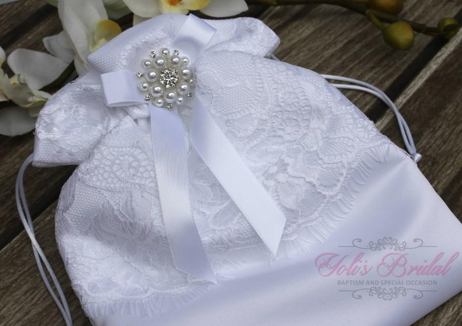 Wedding - FAST SHIPPING!! Beautiful and Romantic Cosmetic Bag, Lace Flower Cosmetic Bag, Wedding Bag, Money Bag, Bridal Bag, White Bridal Purse