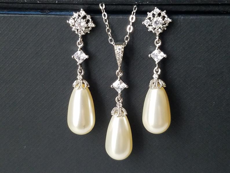 Mariage - Pearl Bridal Jewelry Set, Ivory Pearl Earrings&Necklace Set, Swarovski Teardrop Pearl Set, Wedding Bridal Jewelry, Ivory Pearl Silver Set