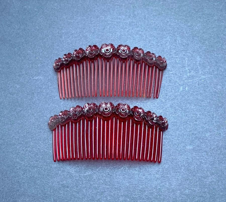 Wedding - Lovely 1940s Flower Decorated Tortoiseshell Hair Combs - 8cm wide