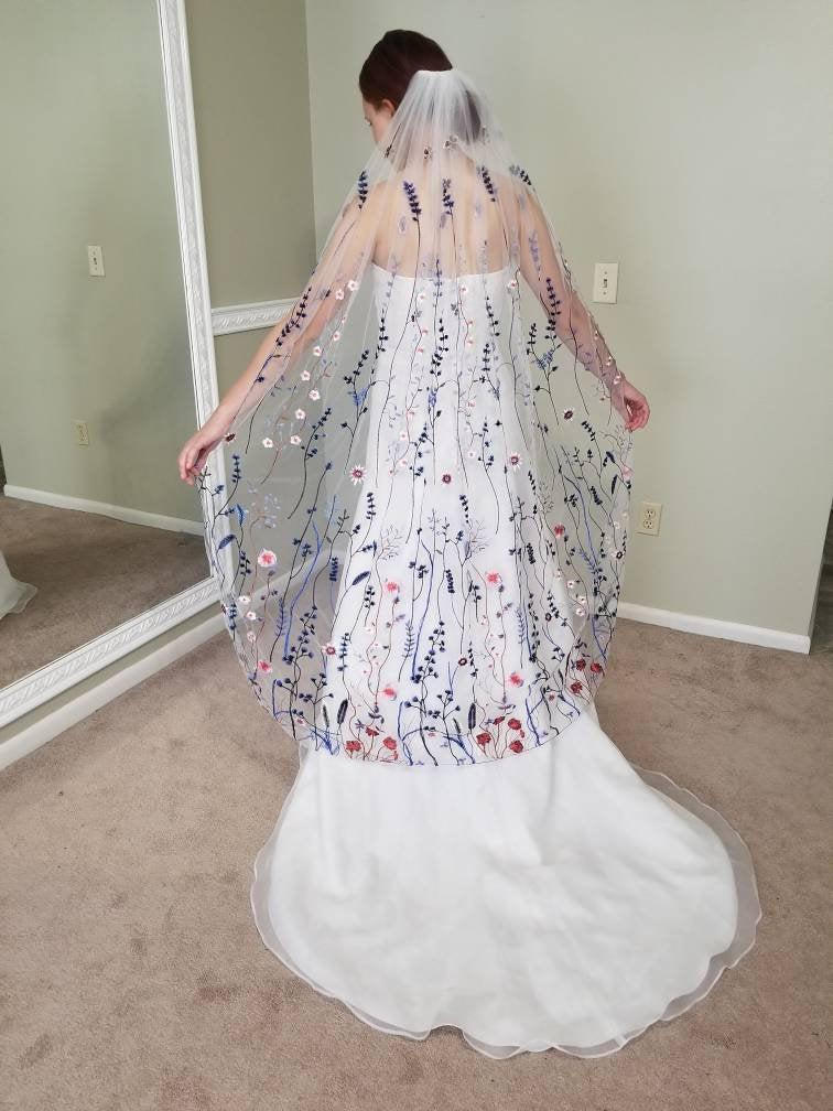 Mariage - Blue and White Lennox Veil, Wildflower Veil, Secret Garden Veil, Blue and White Lace Veil
