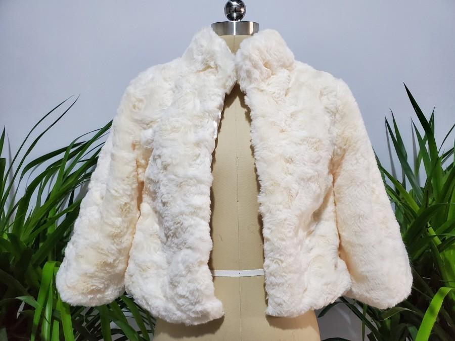 Свадьба - Faux Fur Bridal warm Wrap coat Women Winter Length Sleeves Jacket Bridal wrap Fur  Bridal Elegant Evening Coat Bolero