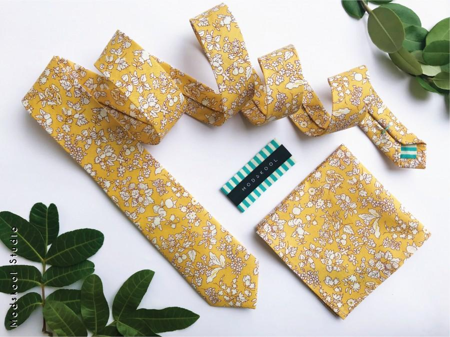 Свадьба - Bespoke  men's slim tie/pocket square in Liberty of London, made to order/Fruit silhouette yellow
