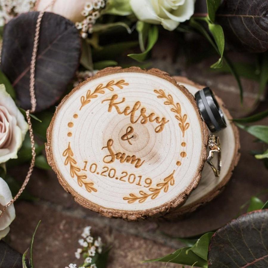 Hochzeit - Personalized Wood Wedding Ring Box, Custom Wedding Ring Bearer Box,Rustic Engraved Ring Holder,Engagement I Do Box