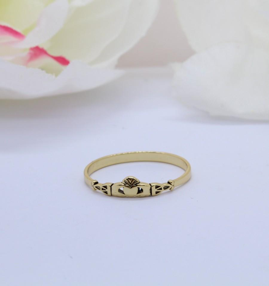 Свадьба - Yellow Gold Celtic Petite Dainty Claddagh Ring Band 925 Sterling Silver Thumb Ring