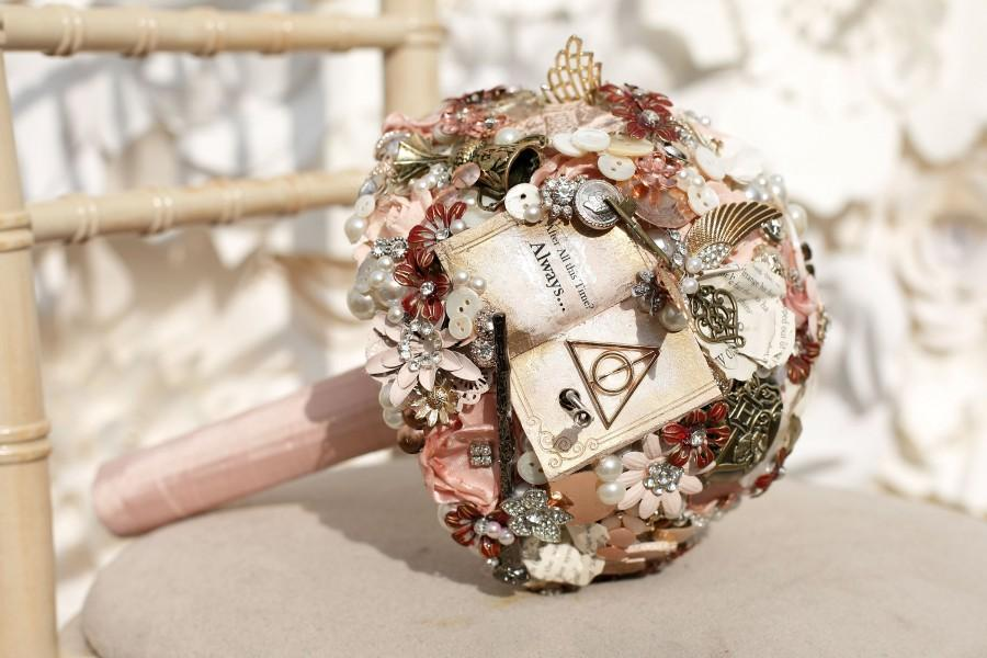 Свадьба - Hand crank music Musical Wizard inspired bouquet any colour, alternative, brooch bouquet, whimsical bouquet made to order 14-16 weeks