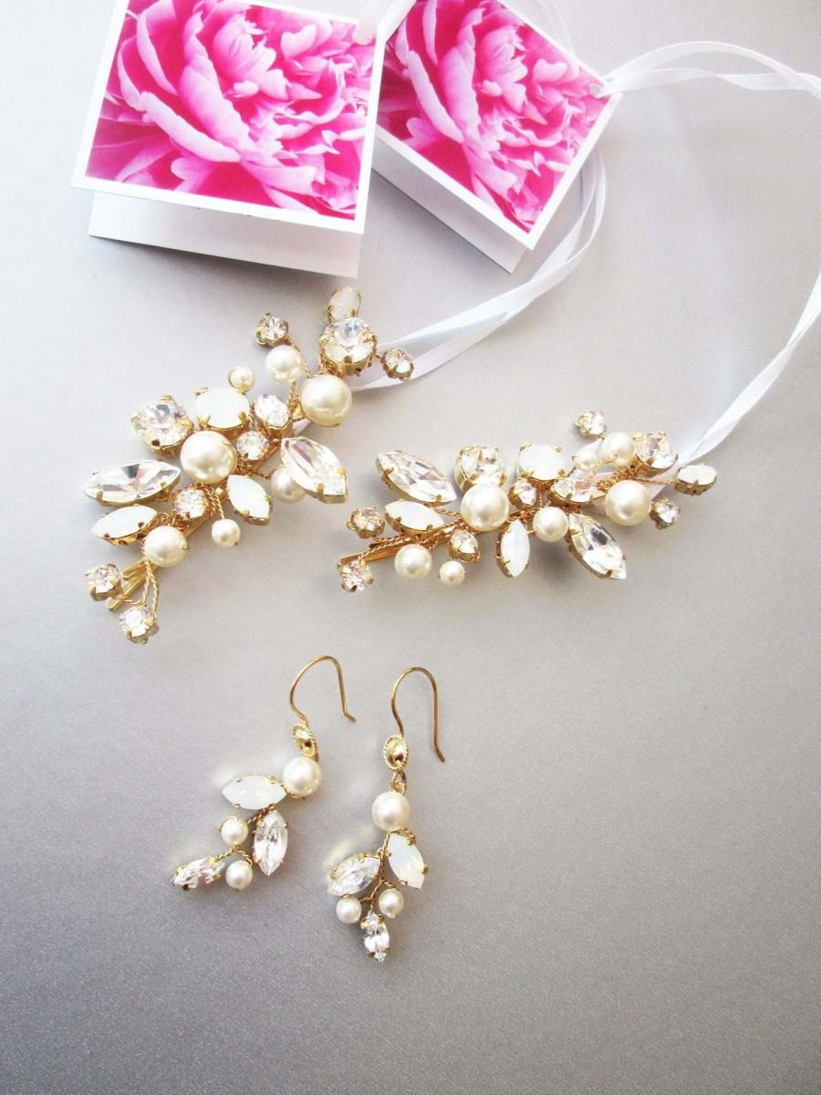 Hochzeit - Bridal crystal and pearl earrings, Swarovski crystal opal bridal earrings, Leaf vine earrings, Bridesmaids drop earrings in gold or silver